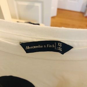 Abercrombie Mickie t shirt